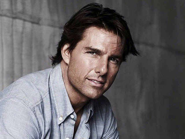 Tom Cruise Breaks Ankle