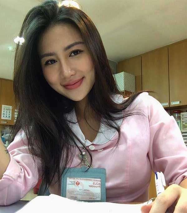Most Beautiful Taiwanese Nurse