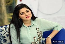 Sanam Baloch With Daughter After Divorce
