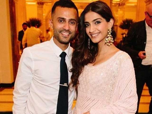 First Meeting of Sonam Kapoor and Anand Hoja