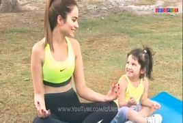 Pakistani Beautiful Actress with Her Cute Daughter
